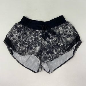 Lululemon Athletica Womens Floral Shorts Size 4
